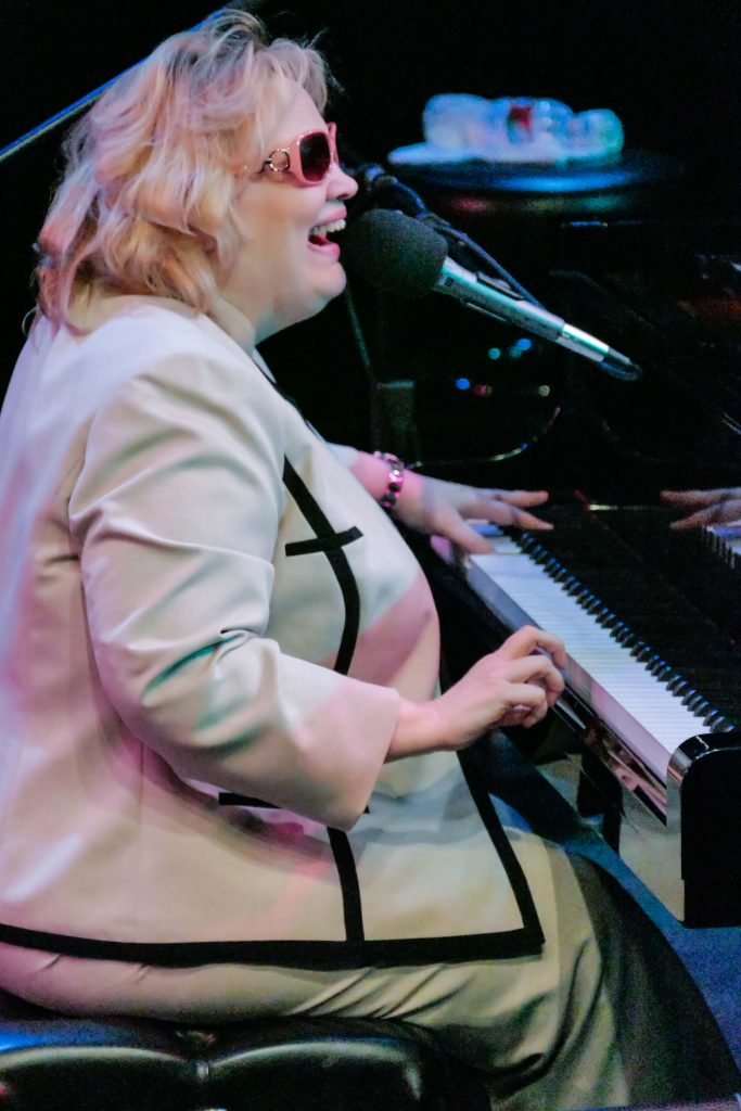 Dianne Schuur; photo by Walter Wagner